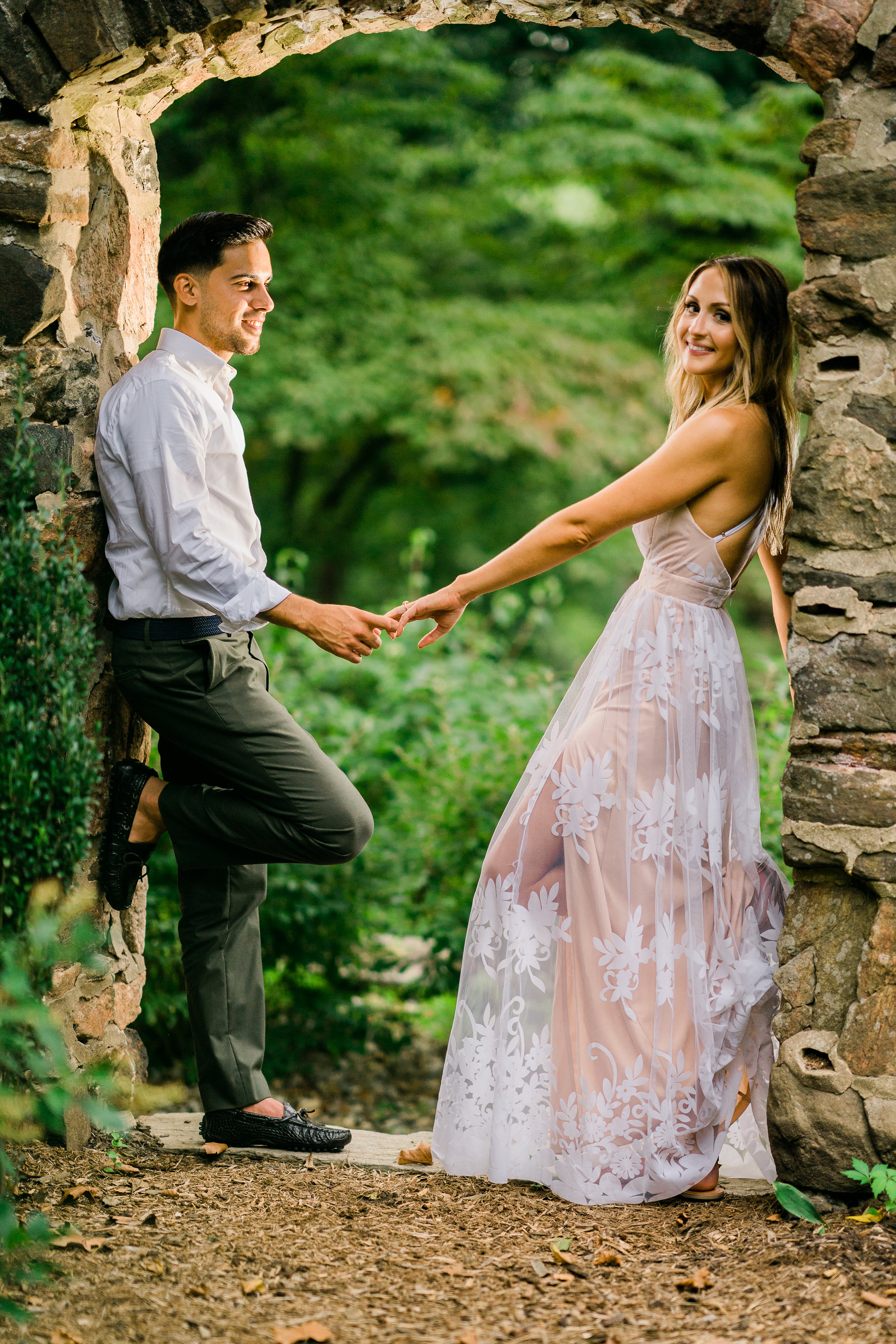 gardens hunting hill mansion engagement photos