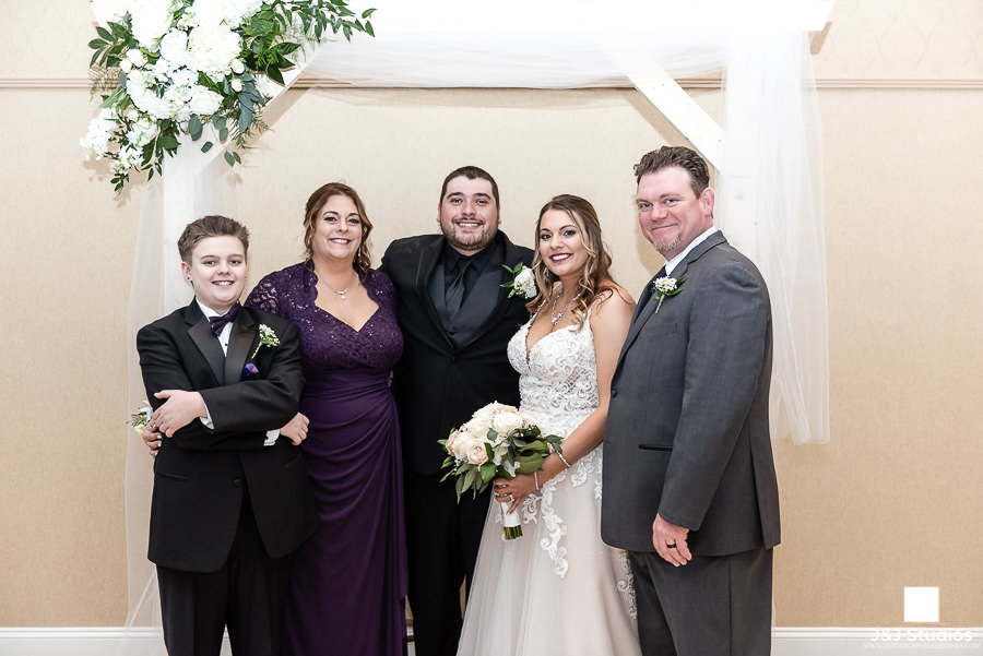 wedding family portraits concordville inn