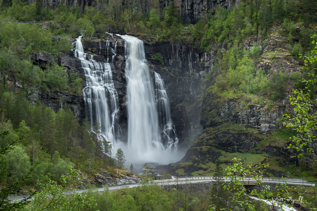 Day 4. I stayed in the Eidfjord area. The above image was taken at a waterfall called Skjervsfossen, GPS coordinate 60.58743, 6.63642. I also visited Ulvik and Vøringfossen Waterfall which have a total drop of 182 meters. You can access Vøringfossen from several different places. First, the most obvious is to go up to Fossli Hotel where they have platforms you can go out on. You can also get a nice view from the traffic stop at Vøringfoss Kafeteria & Souvenir. There are also one other option, which is to trekk down in the valley up to the waterfall.
