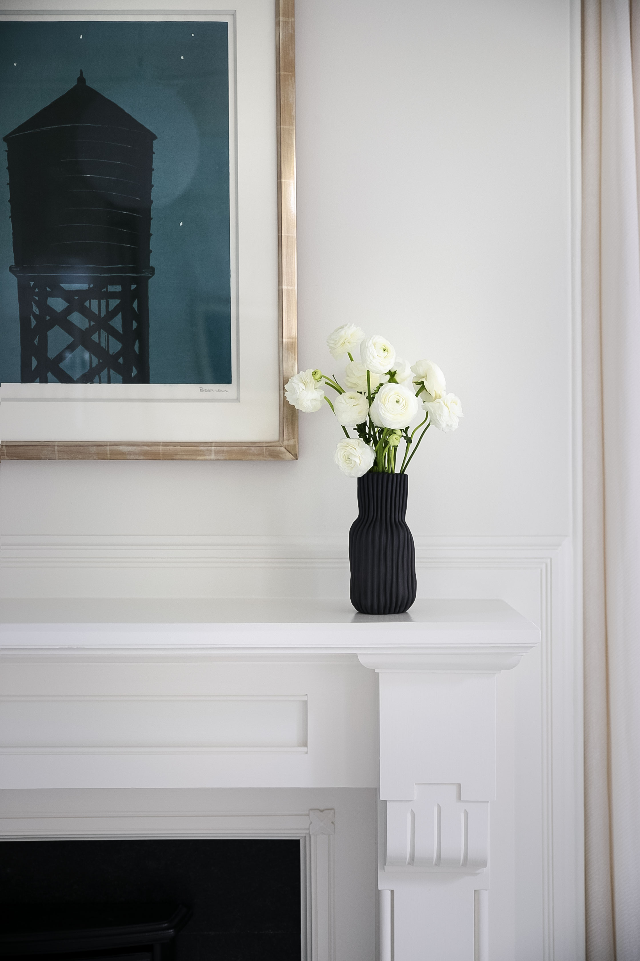 bath-silo-black-vase.jpg