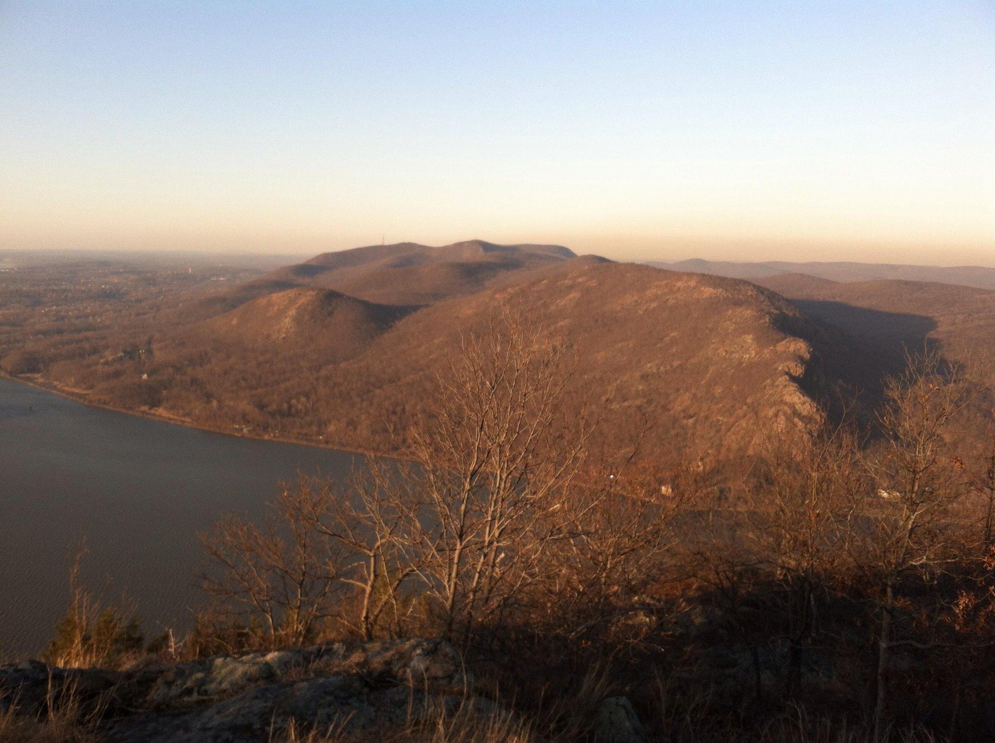 Breakneck Ridge from Storm King Mountain.jpg