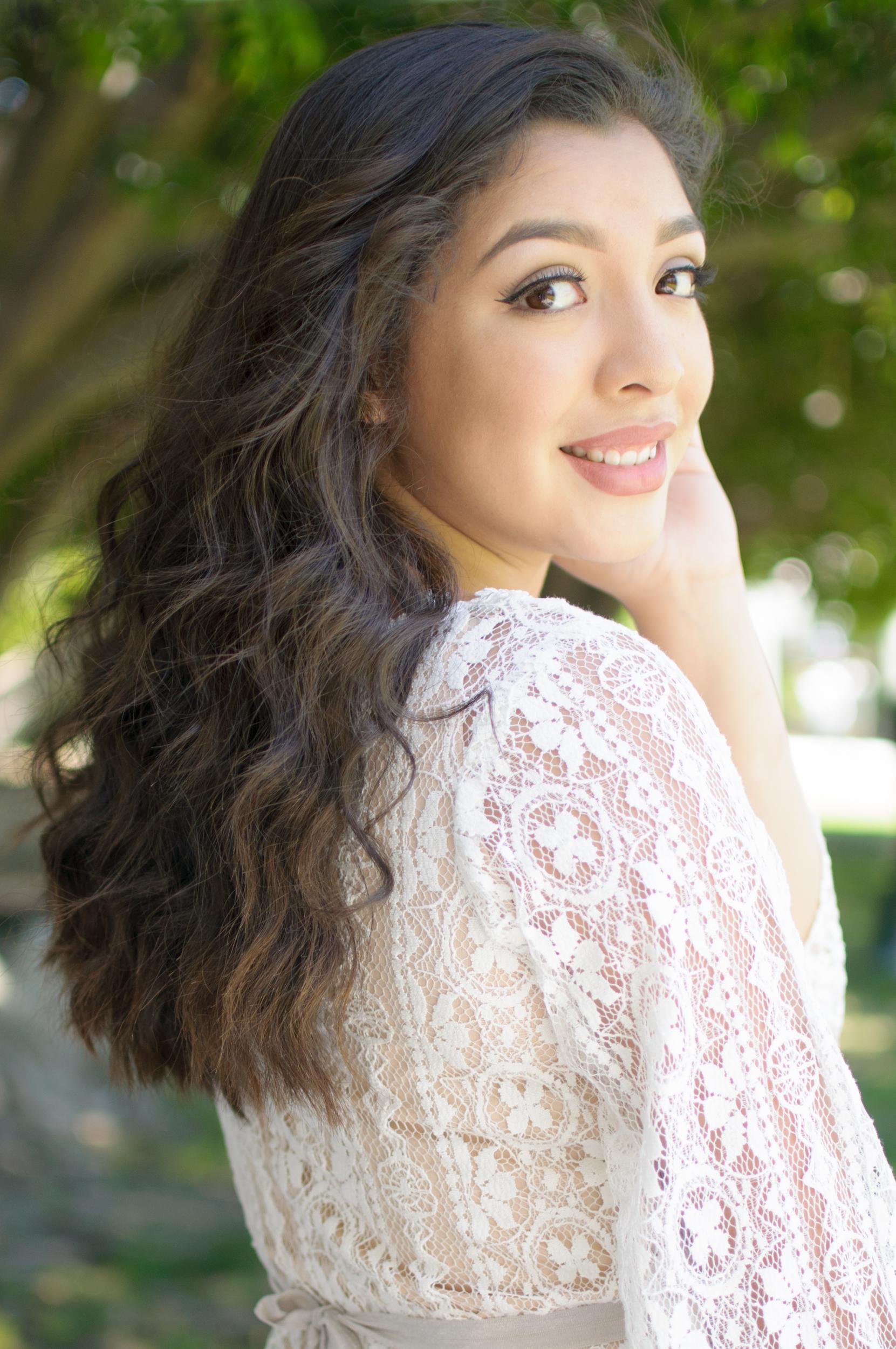 Pretty Girl in Lace Dress LA Senior Portrait