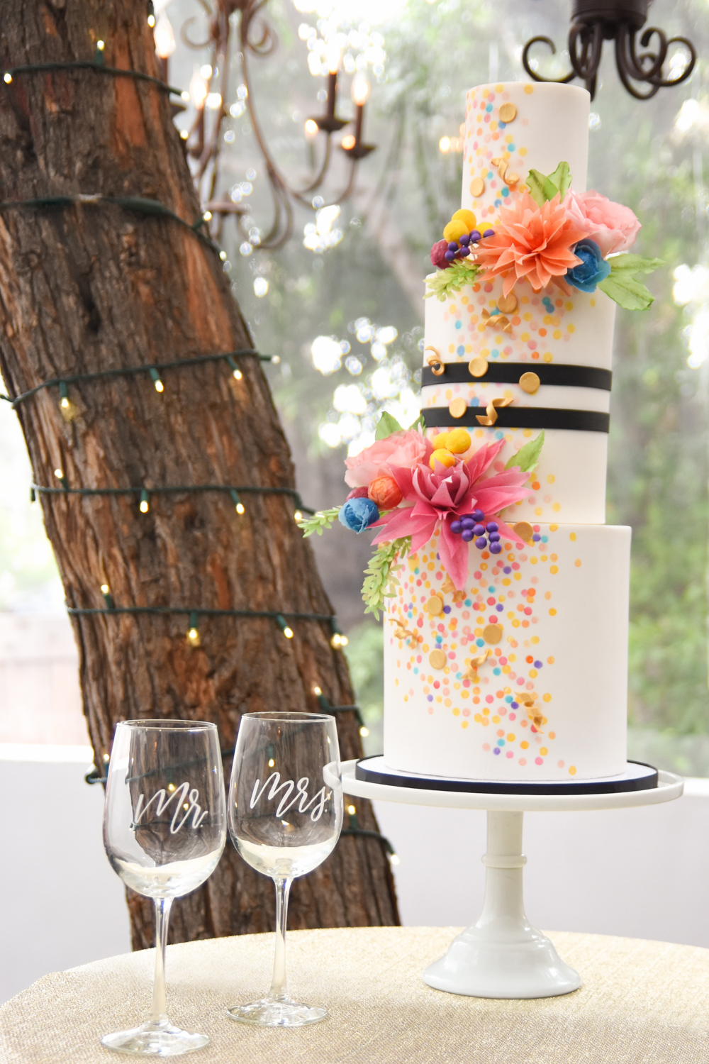 Glendale-Wedding-Photographer-Blog-Jade-Elora-Blog-Victorian-Santa-Monica-13.jpg