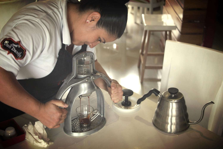 Presso coffee machine