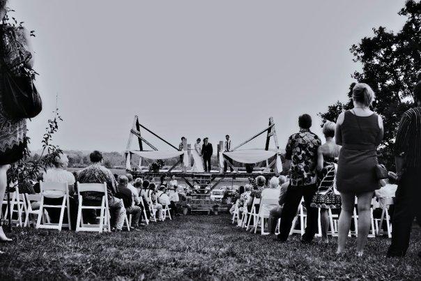outdoor ceremony farm willoway 2009.jpg