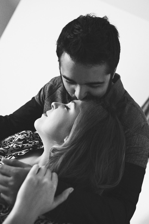 Sesion-fotos-mexicali-retrato-couples-Natalia-Oscar-Paloma-Queri Sesion-fotos-mexicali-retrato-couples-Natalia-Oscar-black-white-kiss