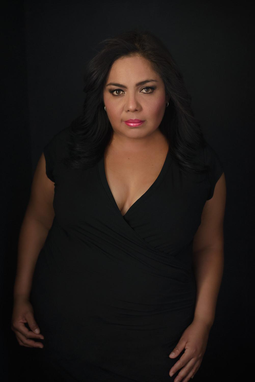 Sesion-fotos-mexicali-retrato-Vestido-negro-Anabel-parada