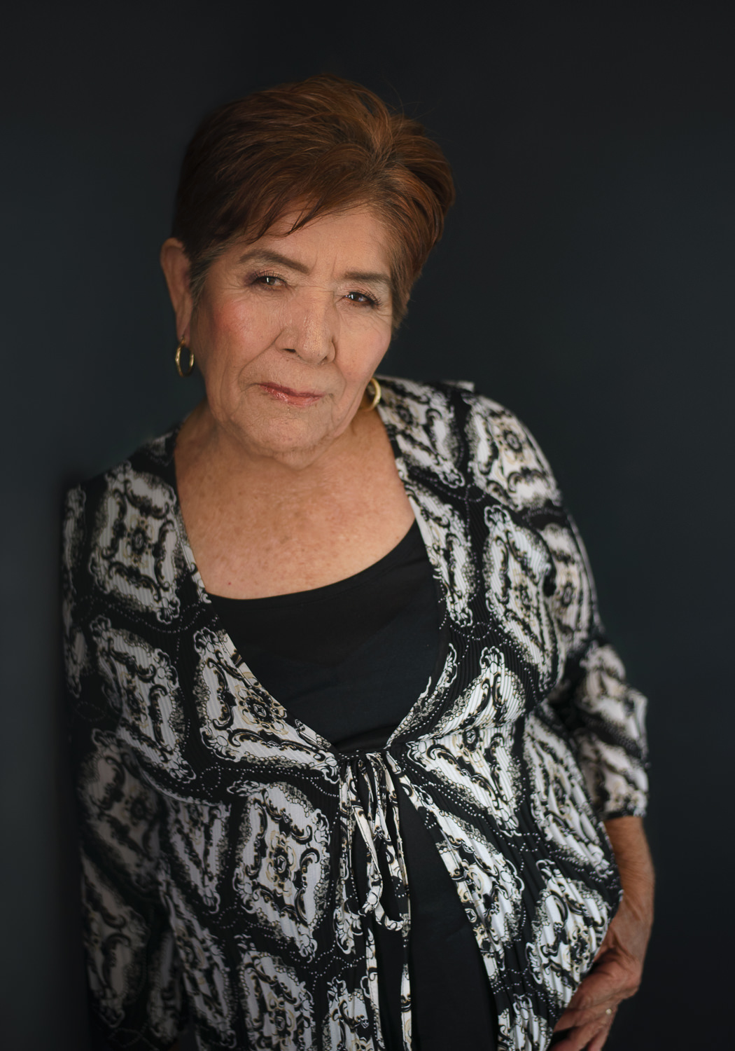 Melissa-Alcantar-Fotografia-mexicali-retrato-mature-photo-session-Paula-black-blouse
