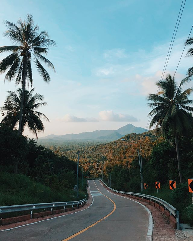 The perfect way to start off the year . . . #thailand #travelphotography #filming #travelphotography #travelfilming #bangkok #chiangmai #pai #phuket #phiphi #kolanta #krabi #kophangan