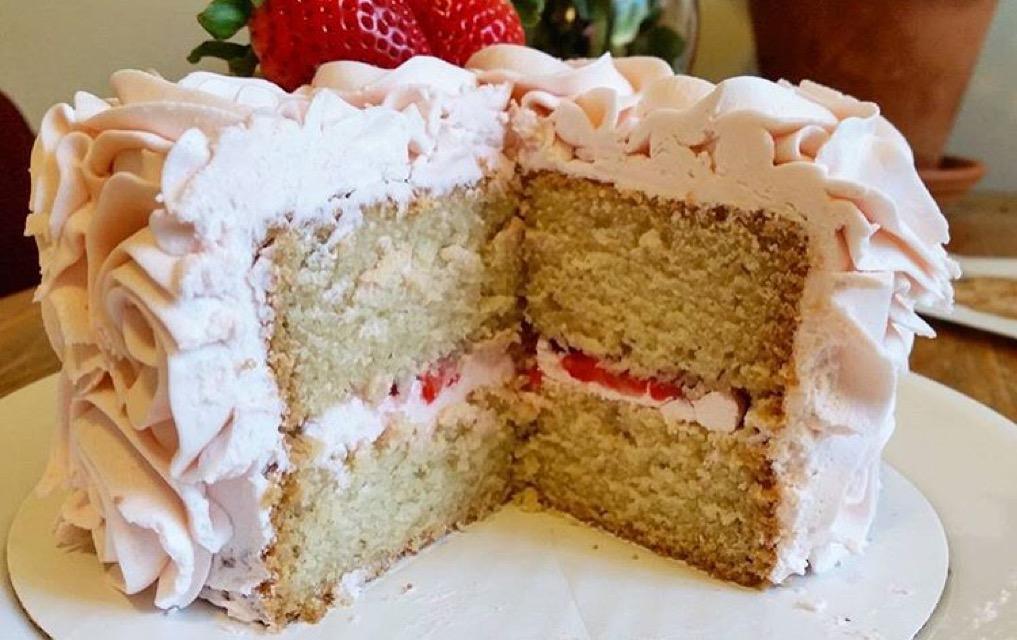 Strawberries & Champagne cake