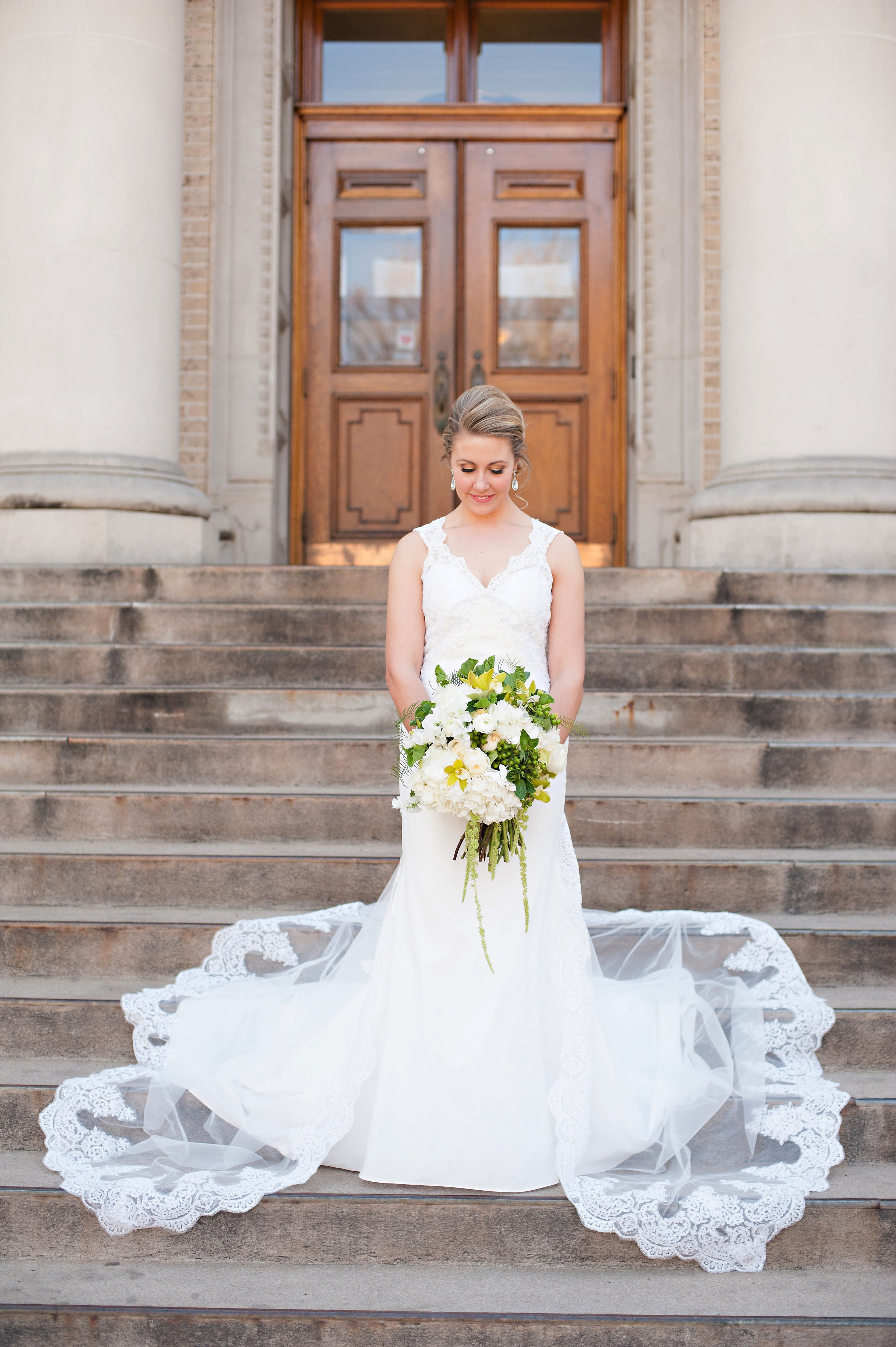 Lyndsey and Travis Wedding-Formals-0028.jpg