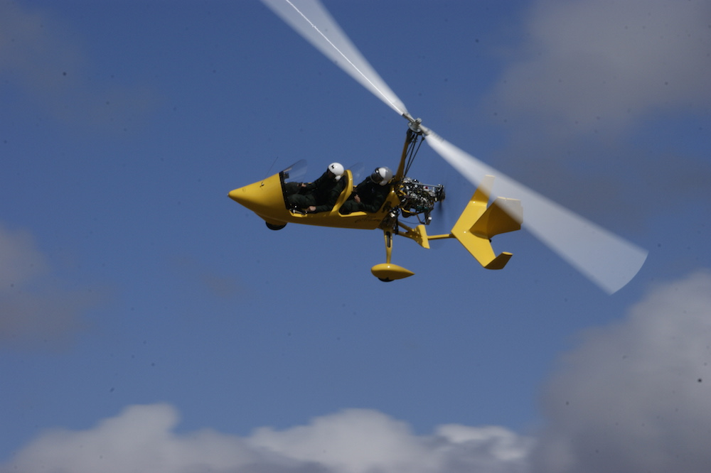gyrocopter autogiro yellow sky