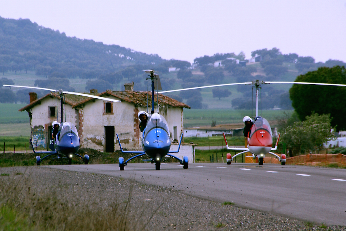 gyrocopter autogiro group road take off