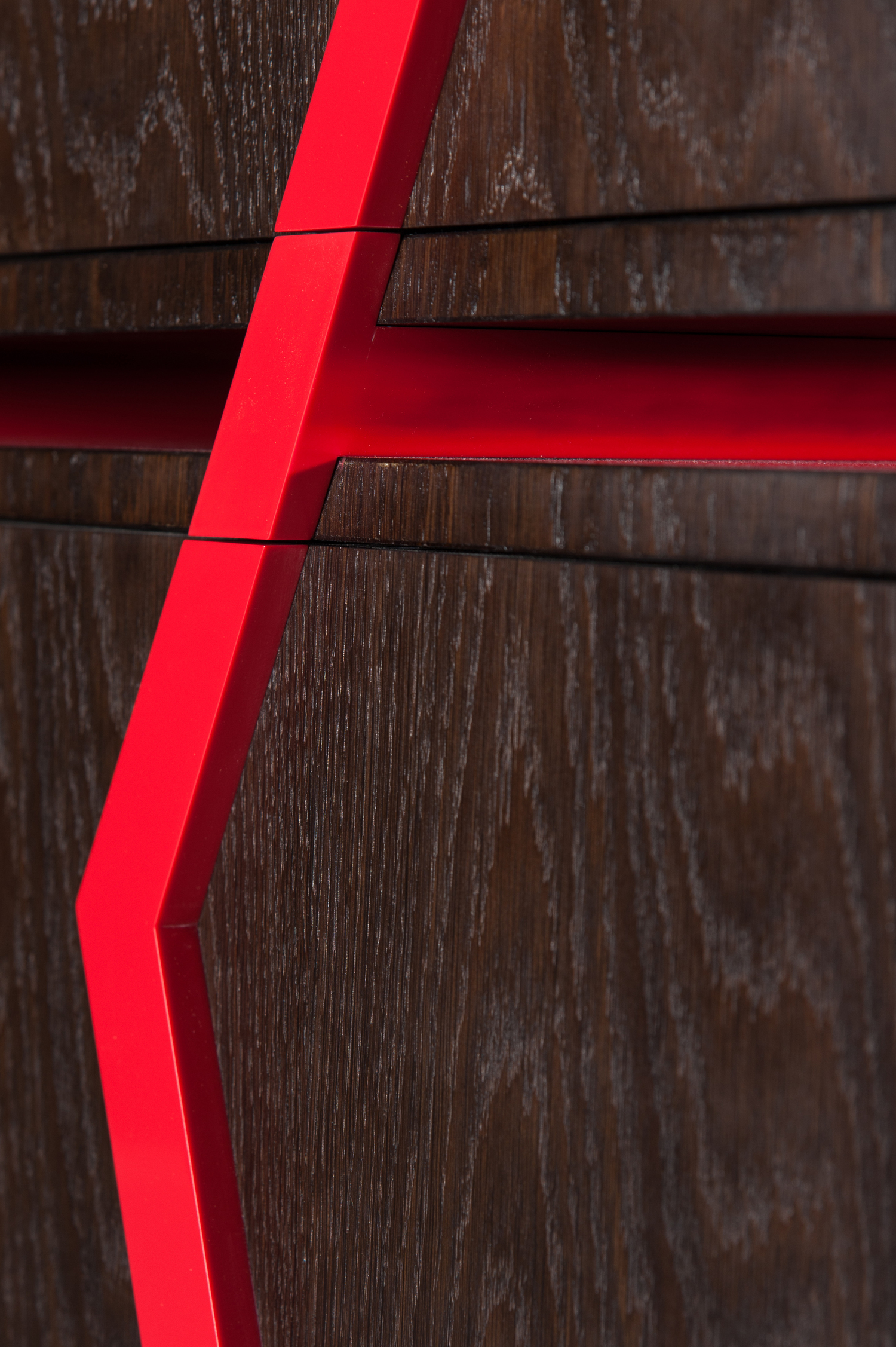 Detail of the Pop/Deco Chest - A close up view of the intersection between the drawer and the Corian detailing