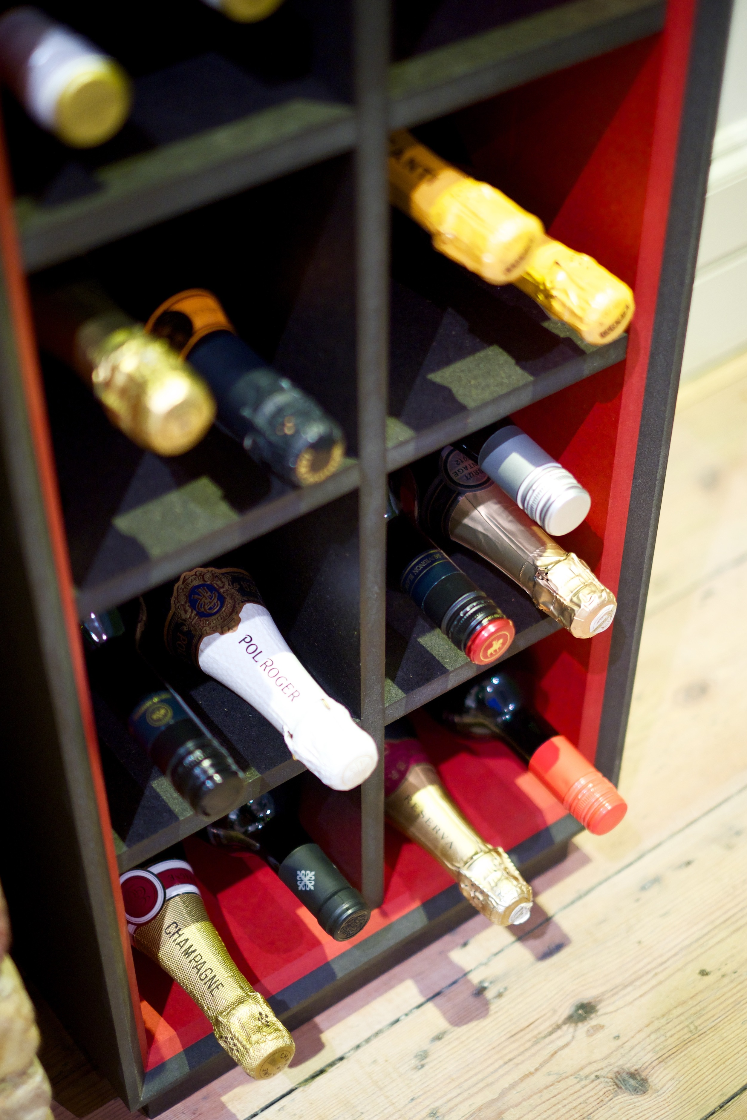 The Standard18 is extremely flexible and can accommodate a variety of bottle shapes and sizes.