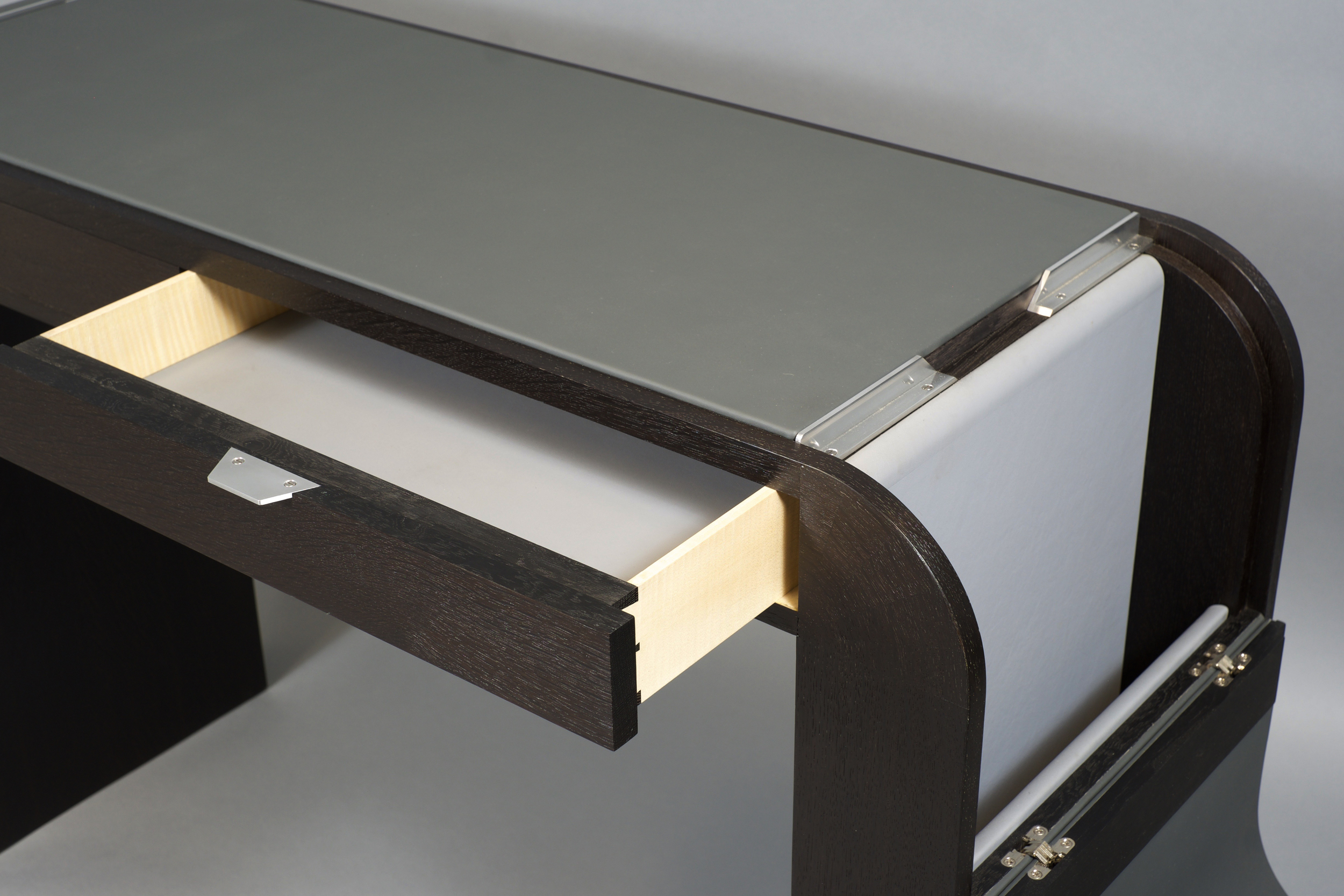 console_desk_open.jpg