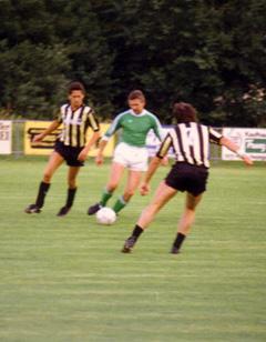 """Vergangene Zeiten... Dem, Fußball als Spieler, Funktionär und heute """"leider"""" nur mehr als Zuseher verbunden."""