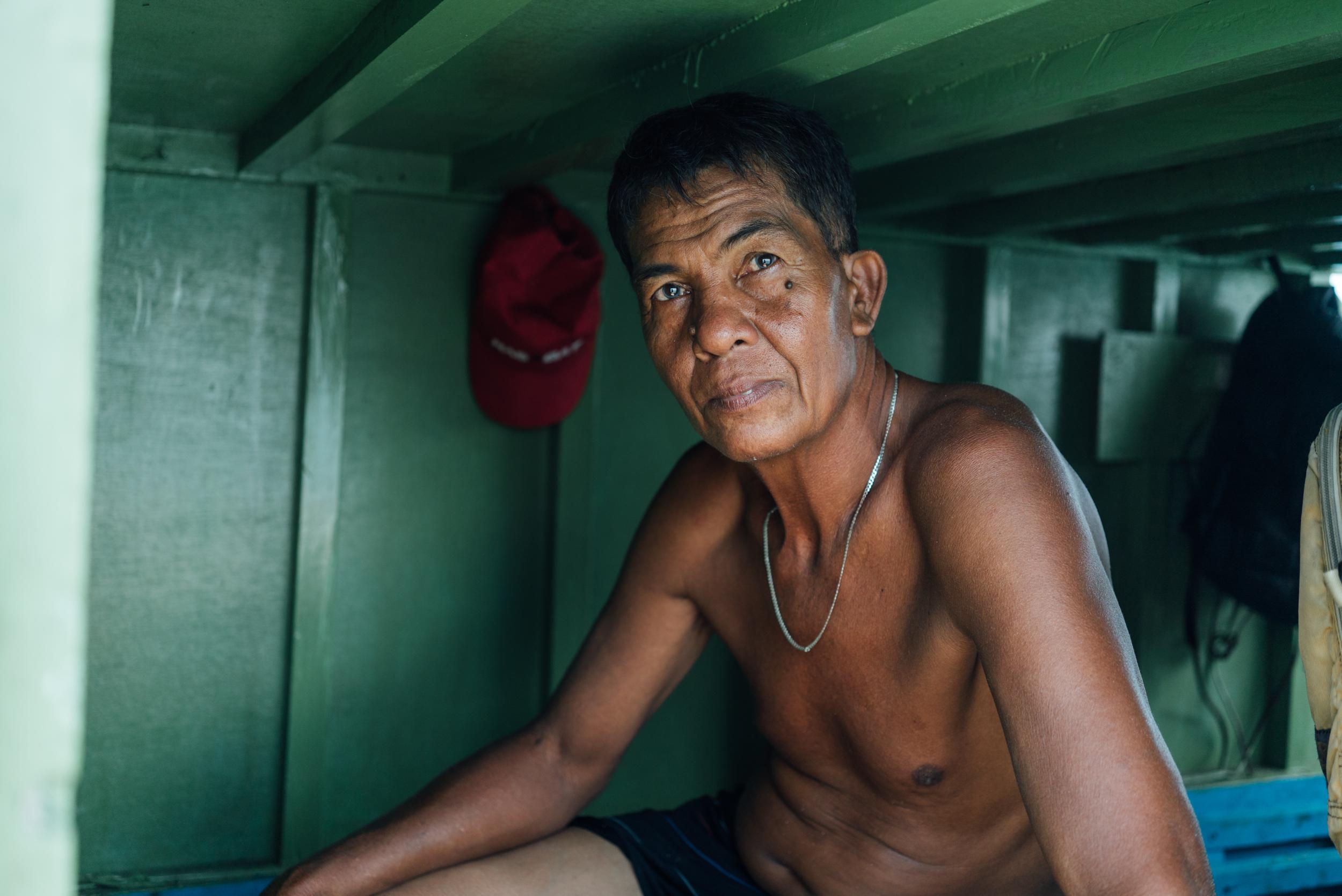 photo-philippines-man-Diana-Scalfati.jpg