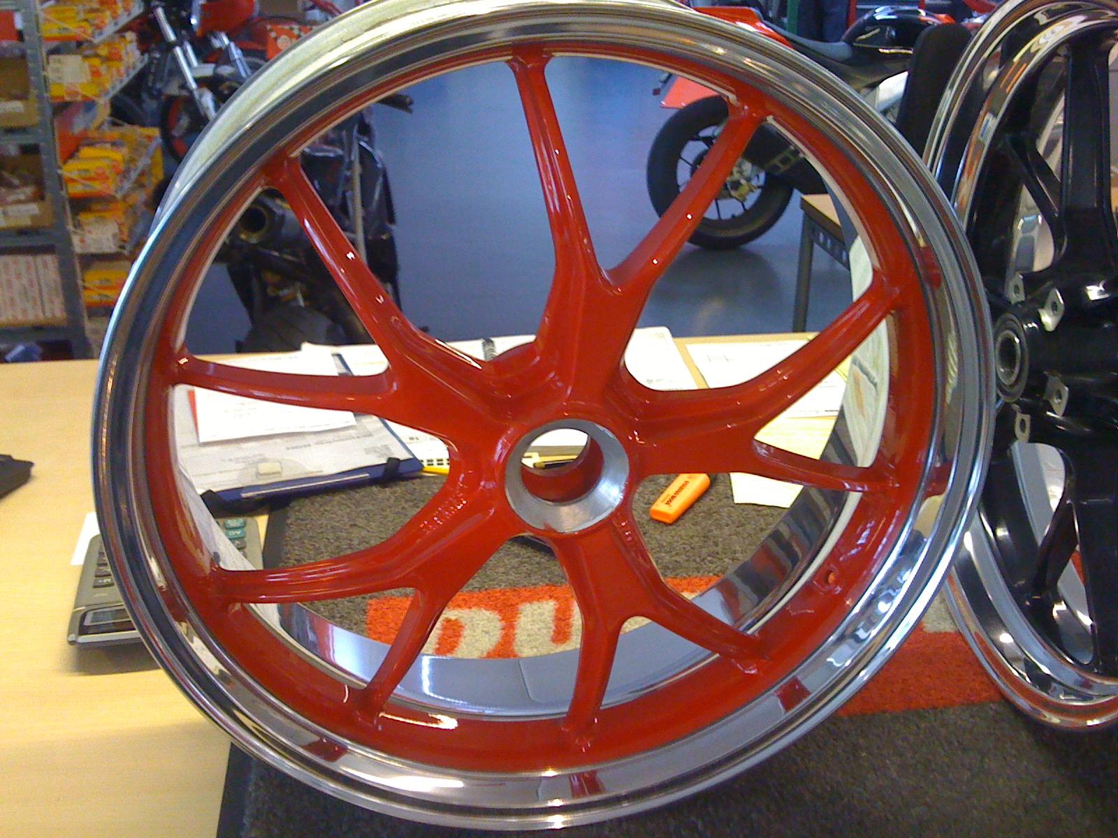 carriot felgenbett Ducati.jpg