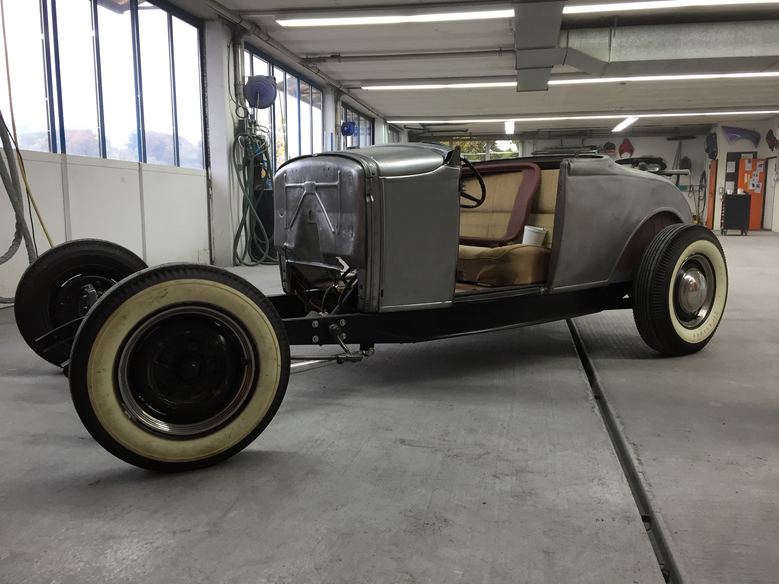 restauration carrosserie spritzwerk carriot Hot Rod Ford 1932.jpg