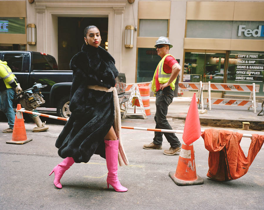 Imaan-Hammam-by-Theo-Wenner-for-Self-Service-Magazine-Fall-Winter-2017-10.jpg