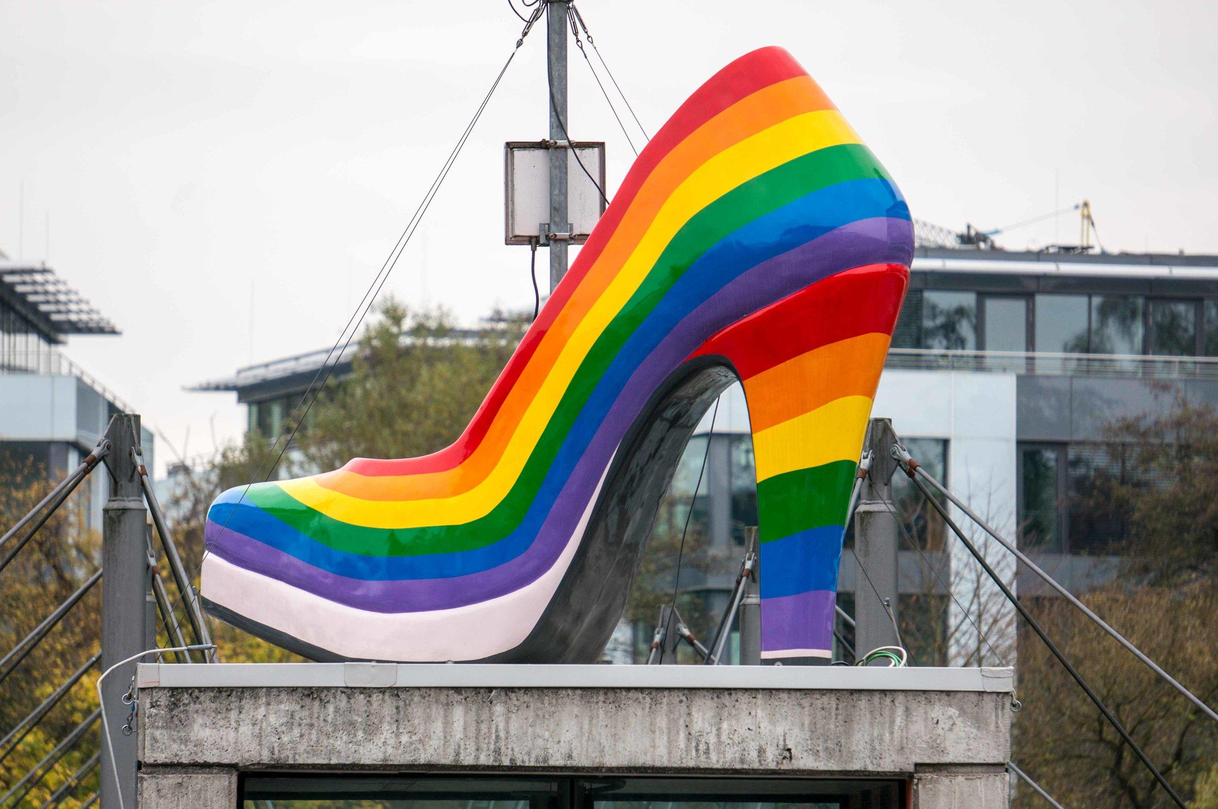 Regenbogen-Schuh.jpg