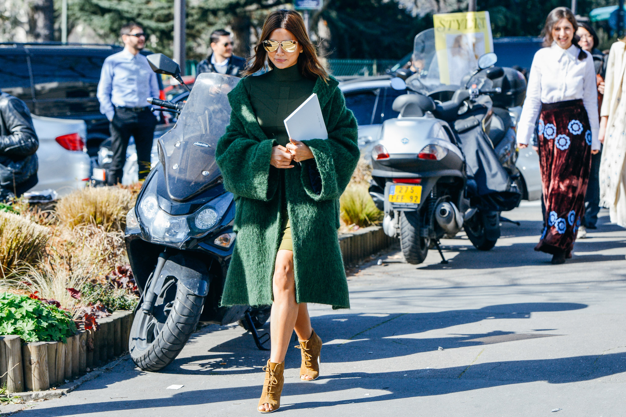 07-fall-2015-ready-to-wear-street-style-11.jpg