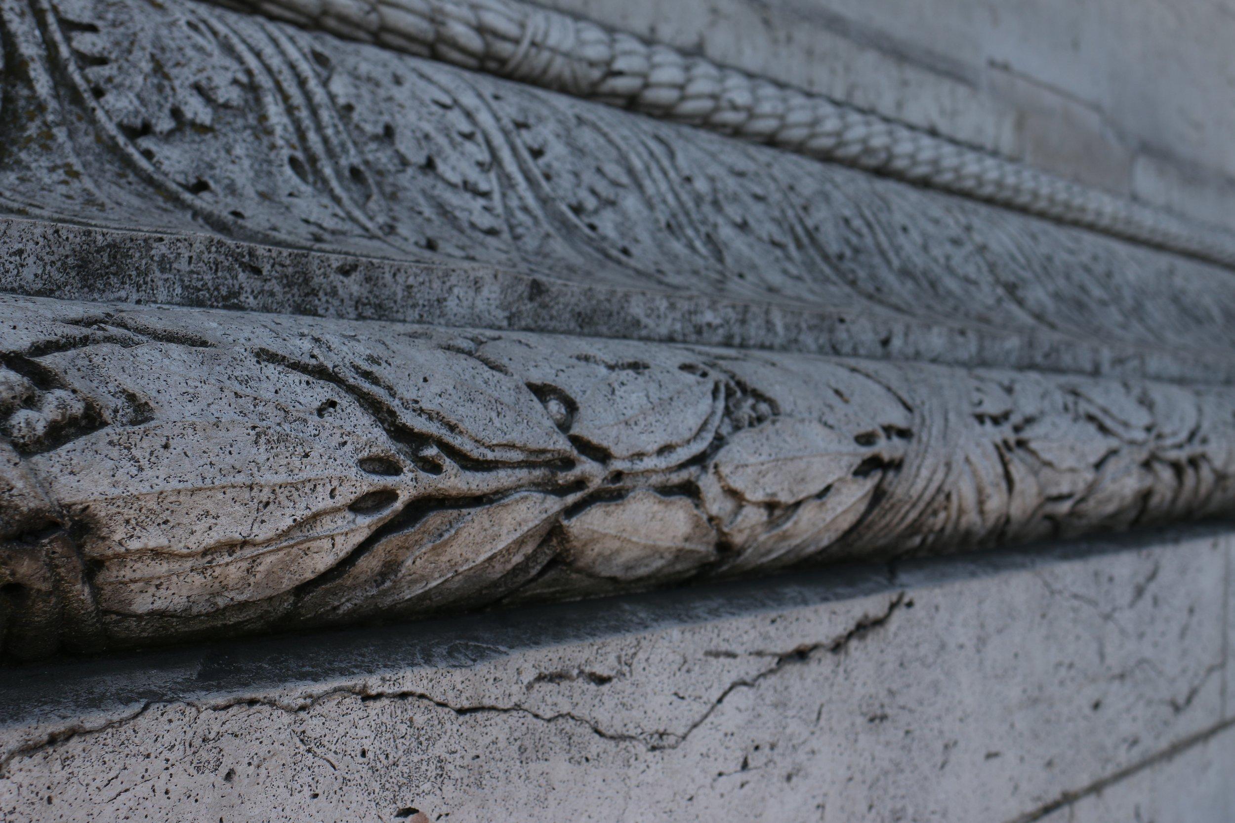 Details on Arc de Triomphe