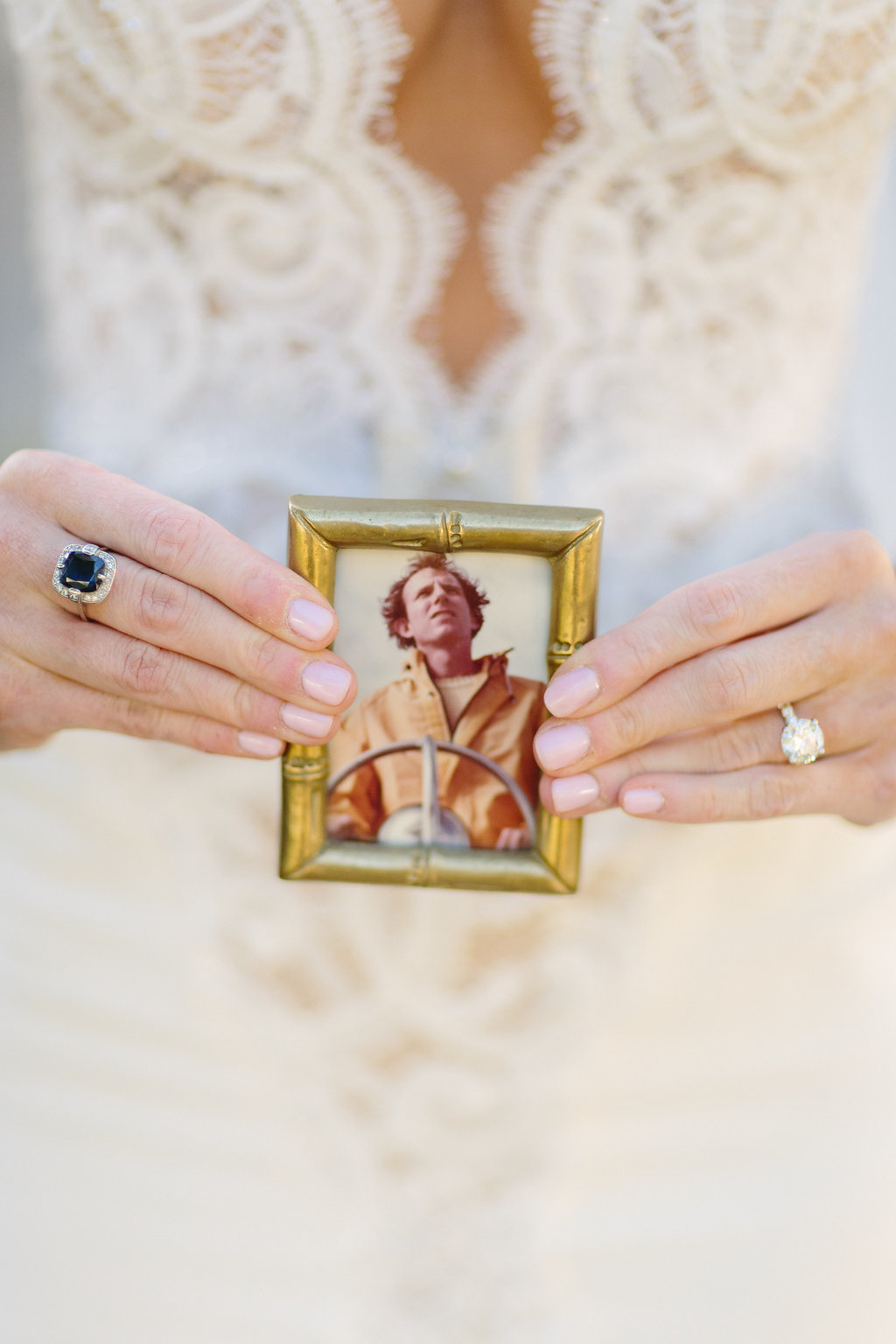 LCphoto-AB-elope-preview-14.jpg
