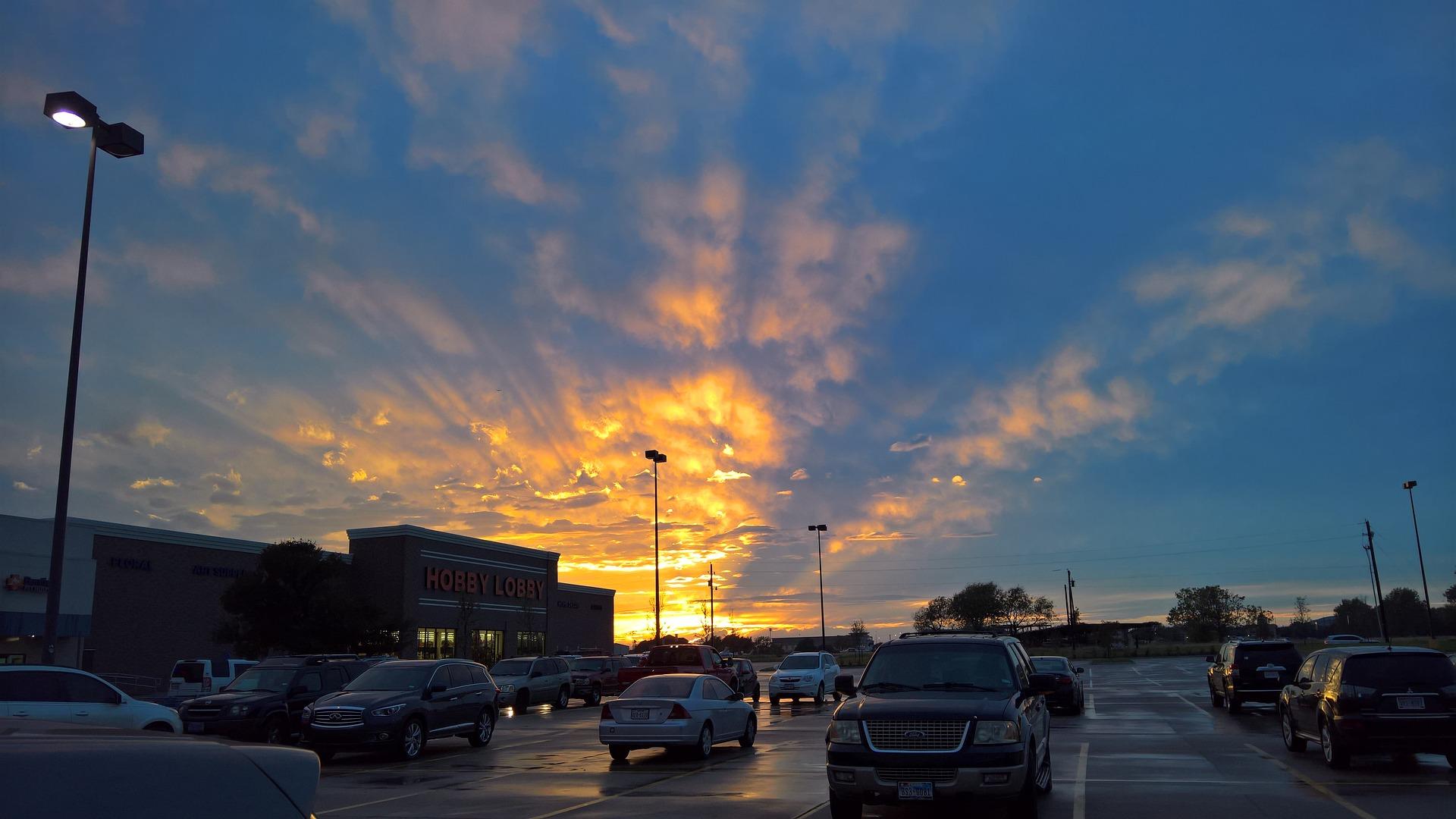 sunset-2144479_1920.jpg