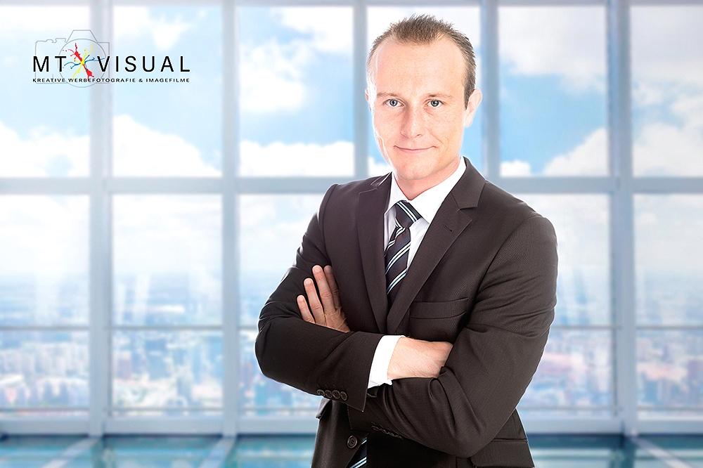 Dominik Business (Klein_Logo)-2 NEU.jpg