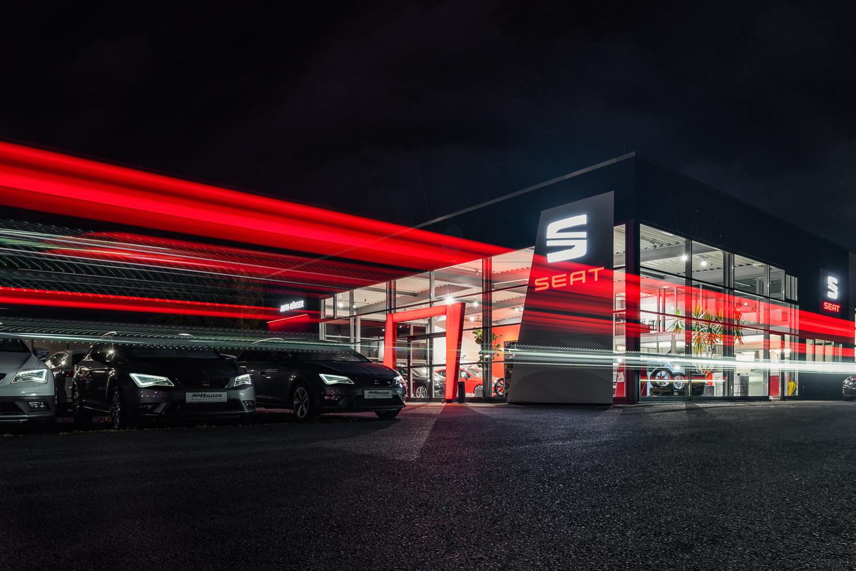 Auto-Häuser Gebäude-Nacht (Internet)-1.jpg