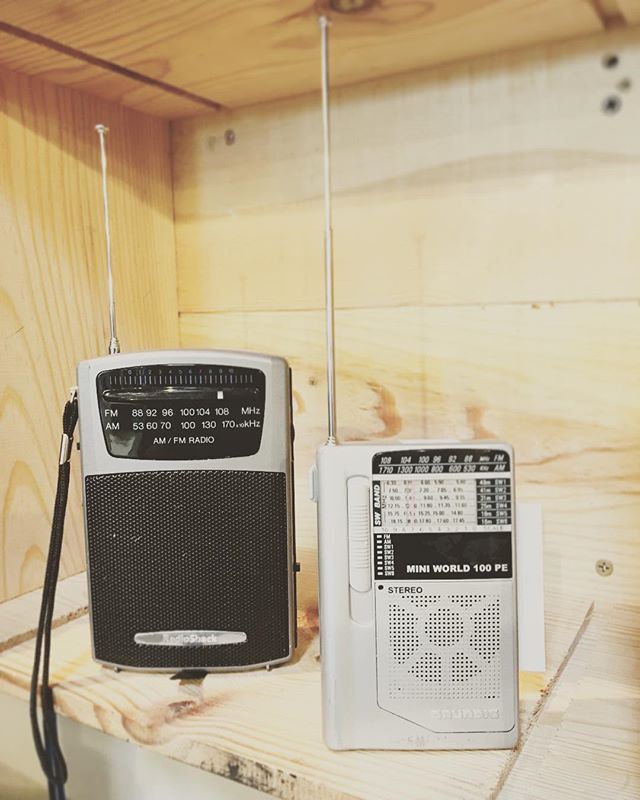Cause if the World Wide Web melts down and all the cell towers in your hood blow up your definitely going to wish you had one of these baby's!! . . #beprepared #thrift #thriftstorefinds #boise #idaho #newagain #radio #newagaintreasures #coleandfranklin