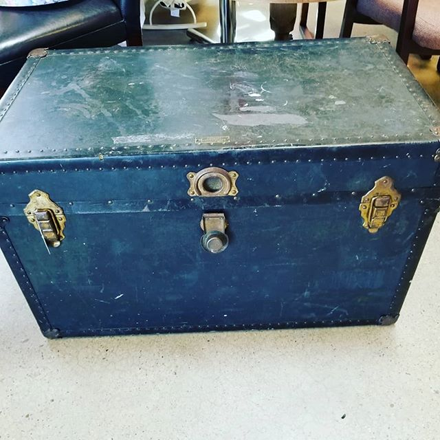 Well traveled vintage trunk....#newagaintreasures #vintage #thriftstorefind #thriftscore #wednesdays #coleandfranklin #boiselife #boise #idaho #thriftstore