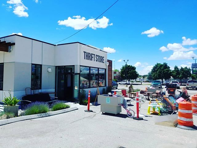 Construction won't keep us down...We're here till 5:00..Come on down. #newagaintreasures #thriftyfinds #saturday #ugghconstruction #thriftshopping #coleandfranklin #newagain #thriftstore #boise #idaho