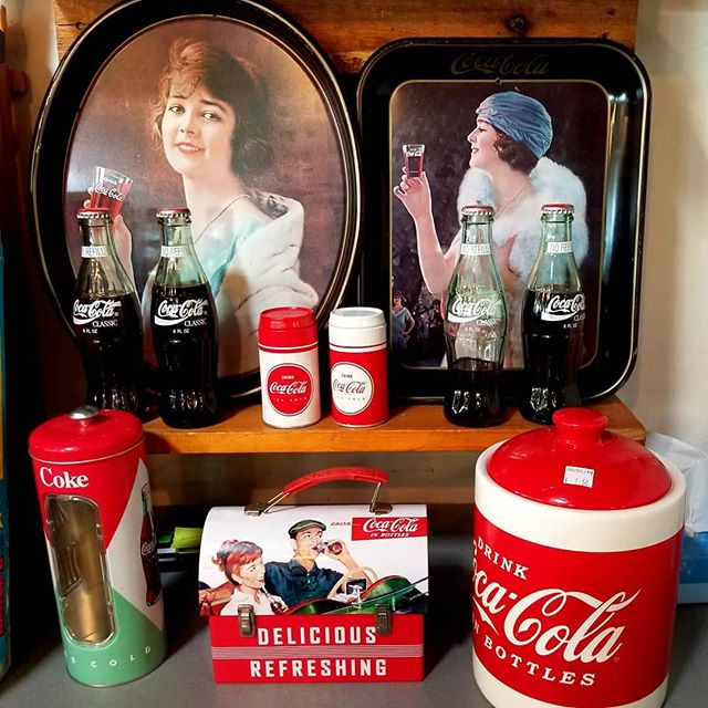 How about a Coke and a smile...#thriftfinds #cocacola #thriftshopping #thriftyshopper #newagaintreasures #newagainthrift #store #boise #idaho #coleandfranklin