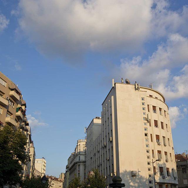 #beograd #bluesky . . . . . . #daftcity #citycentre  #beogradfoto #ig_belgrade #map_of_europe #living_europe #streetphotography #storyofthestreet #lensculturestreets #balkancollective #capturestreets  #burnmyeye #somewheremagazine #architecture #архитектура #arquitectura #architektur #architexture  #architecturephotography #archigram #lookingup_architecture #urbanlandscape #cityscape #unlimitedcities #ihaveathingforwalls #cloudporn #cloudscapes #beautifuldestinations