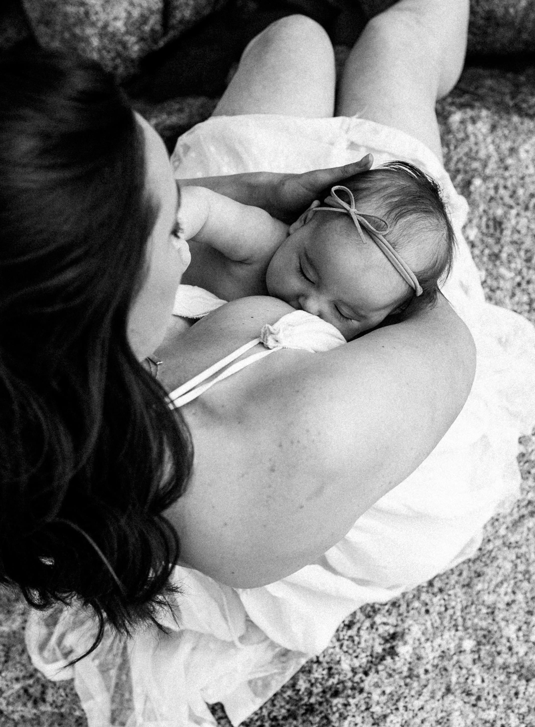 Danielle_Breastfeeding_DanikaLynn-22.jpg