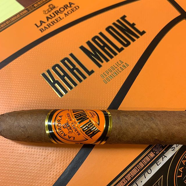 New in the humidor from @laauroracigars - medium bodied, smooth & creamy - you don't want to miss this one!  Yes! We ship!