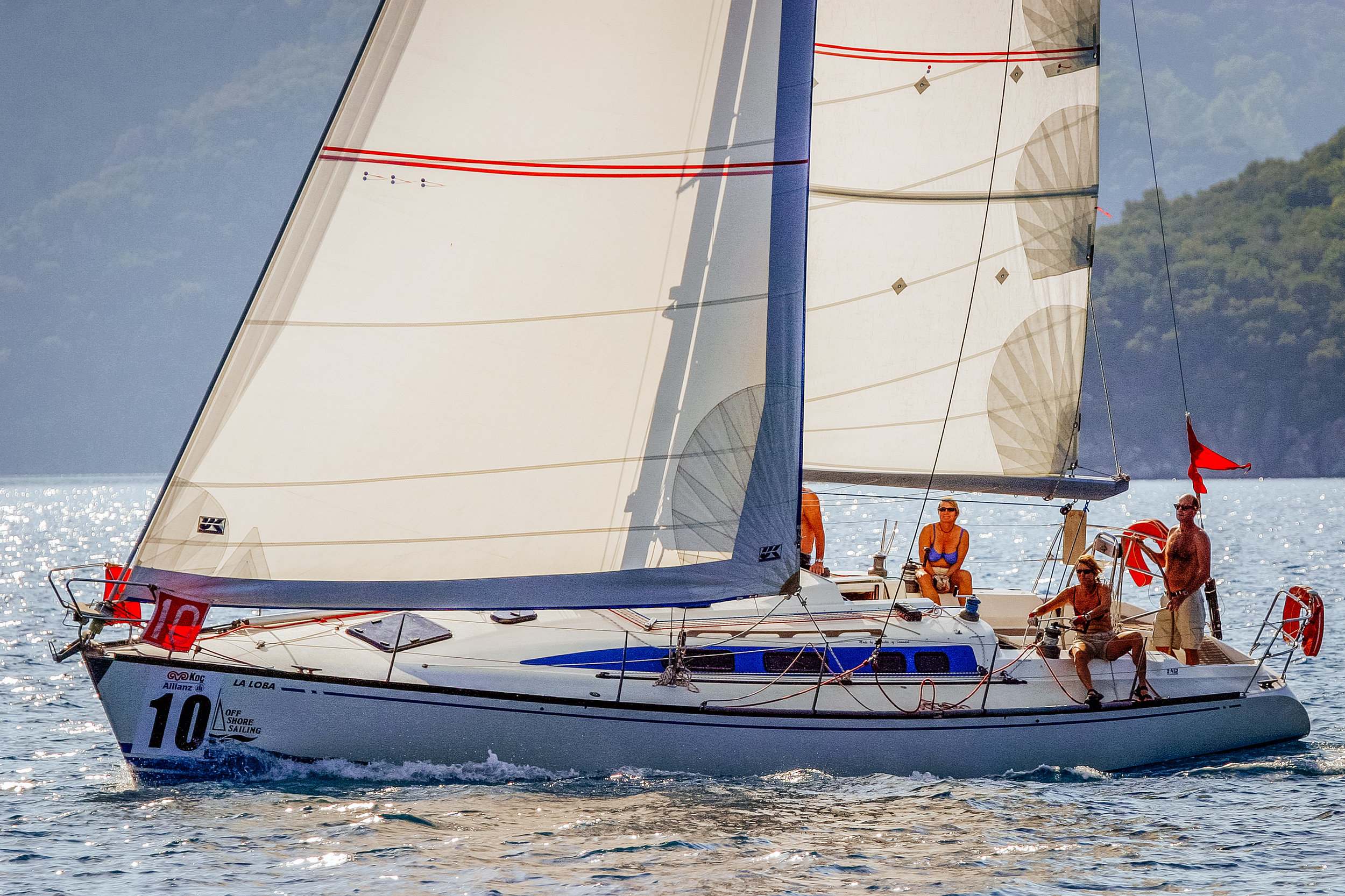 UK's Passagemaker genoa comes with the foam luff, reefing reinforcements on the foot and the leech and UV covers on the foot and the leech.