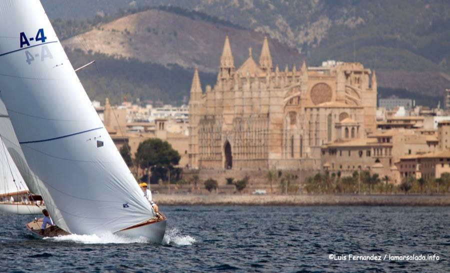 Shown above is the classic 8-Meter DELPHIS which won the XXII Regata Illes Balears in 2016 in Palma de Mallorca, Spain. Martin Billoch's sails were made at our loft in Kemah with traditional woven polyester cloth (Dacron).