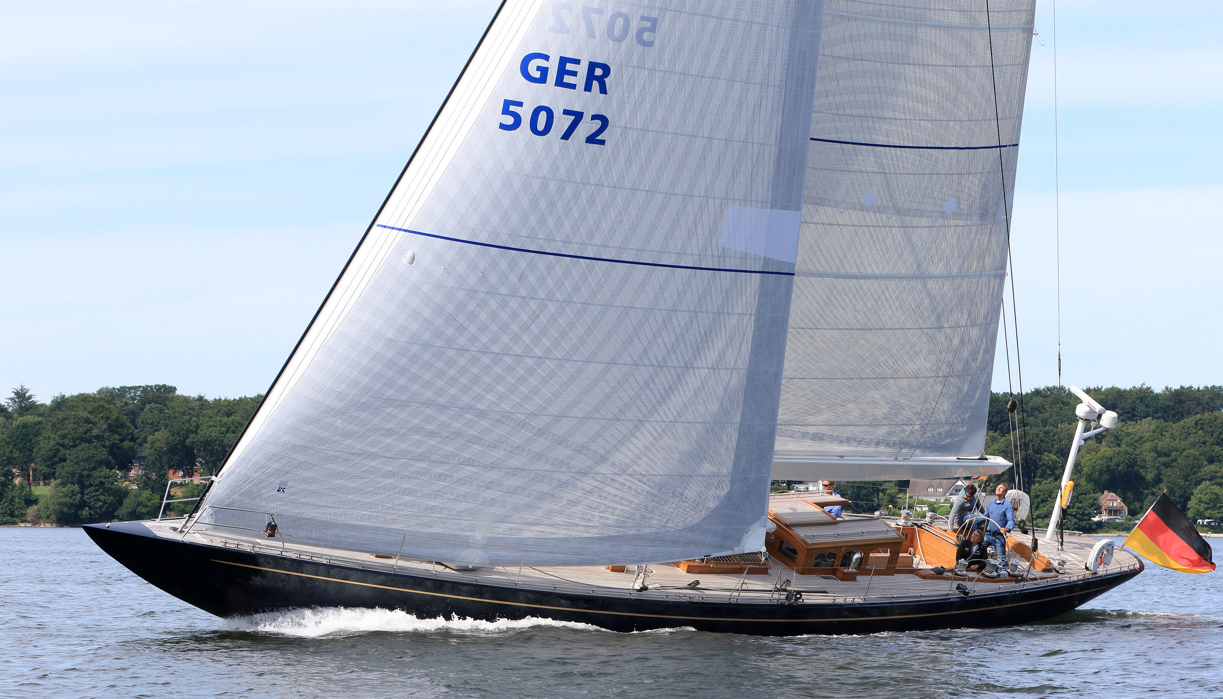 A 72-foot small-scale J Class yacht with X-Drive double taffeta roller/furling genoa and boom-furling main.