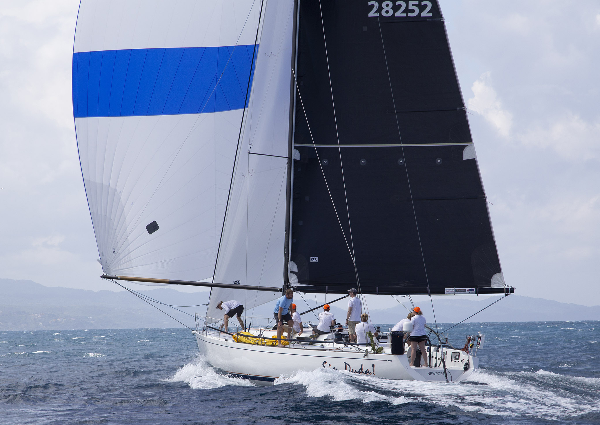 SIN DUDA! flying with her A4, spinnaker staysail and Uni-Titanium main. Photo courtesy The Pineapple Cup
