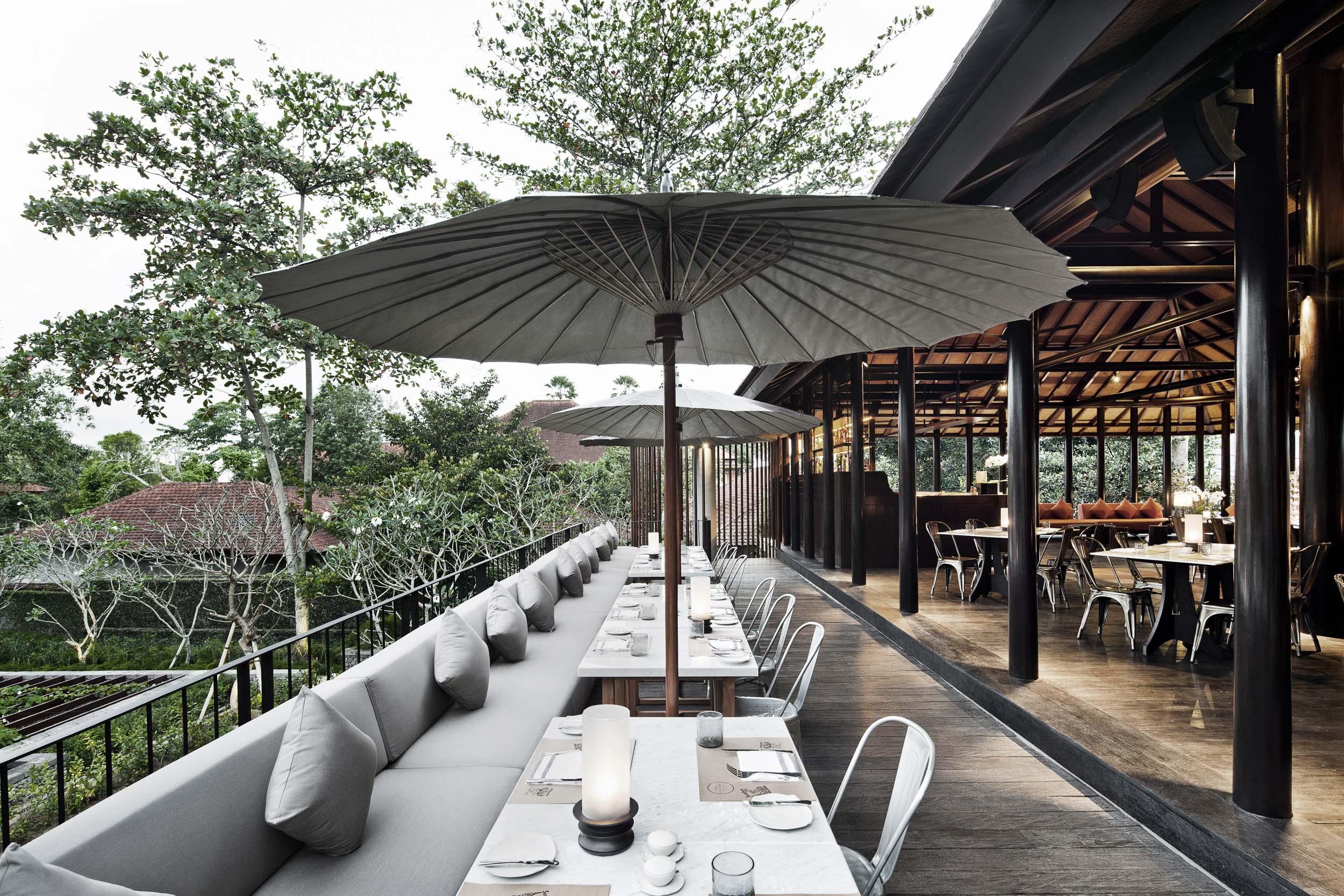 Uma Cucina outdoor terraceR.jpg