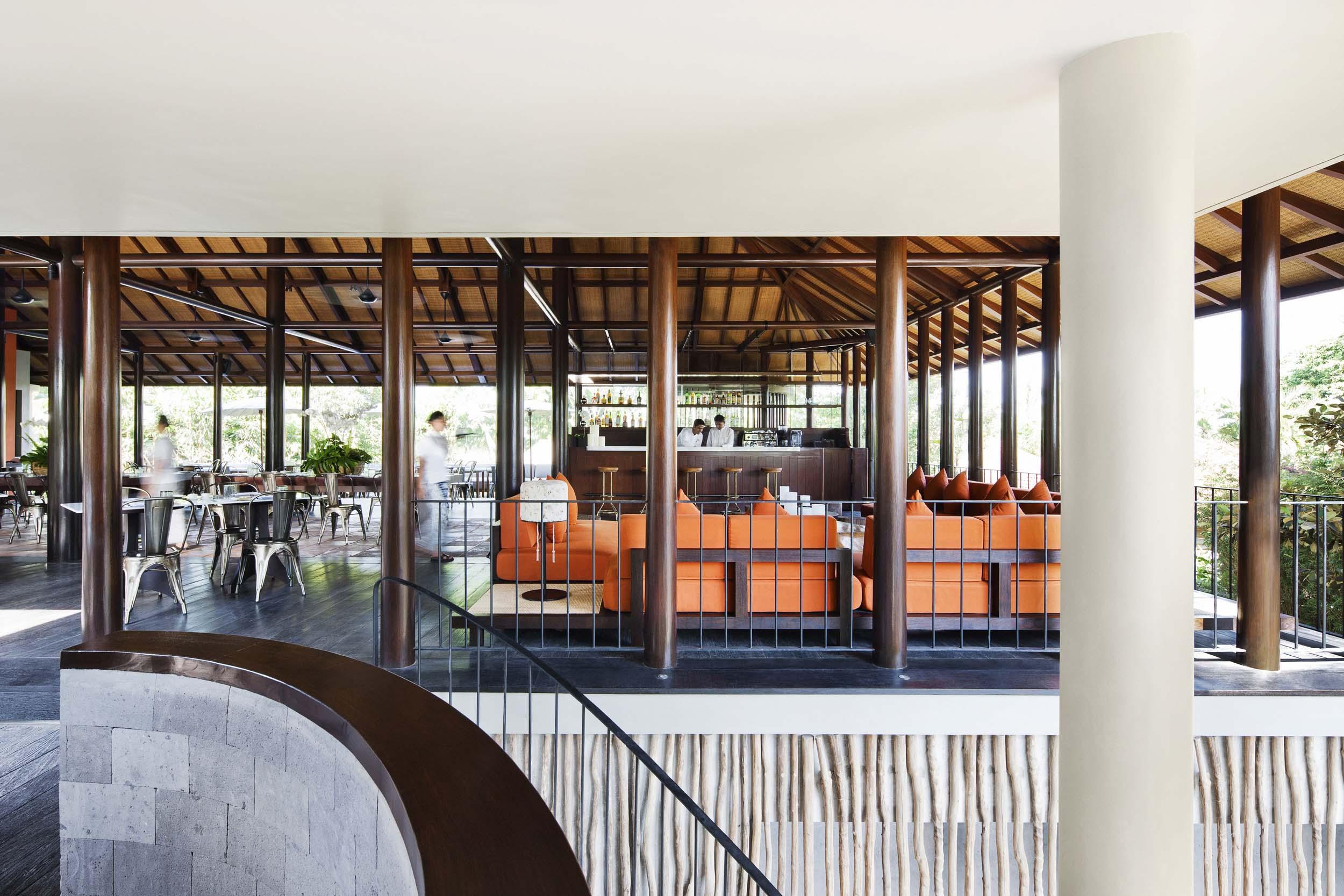 Uma Cucina stairway.jpg
