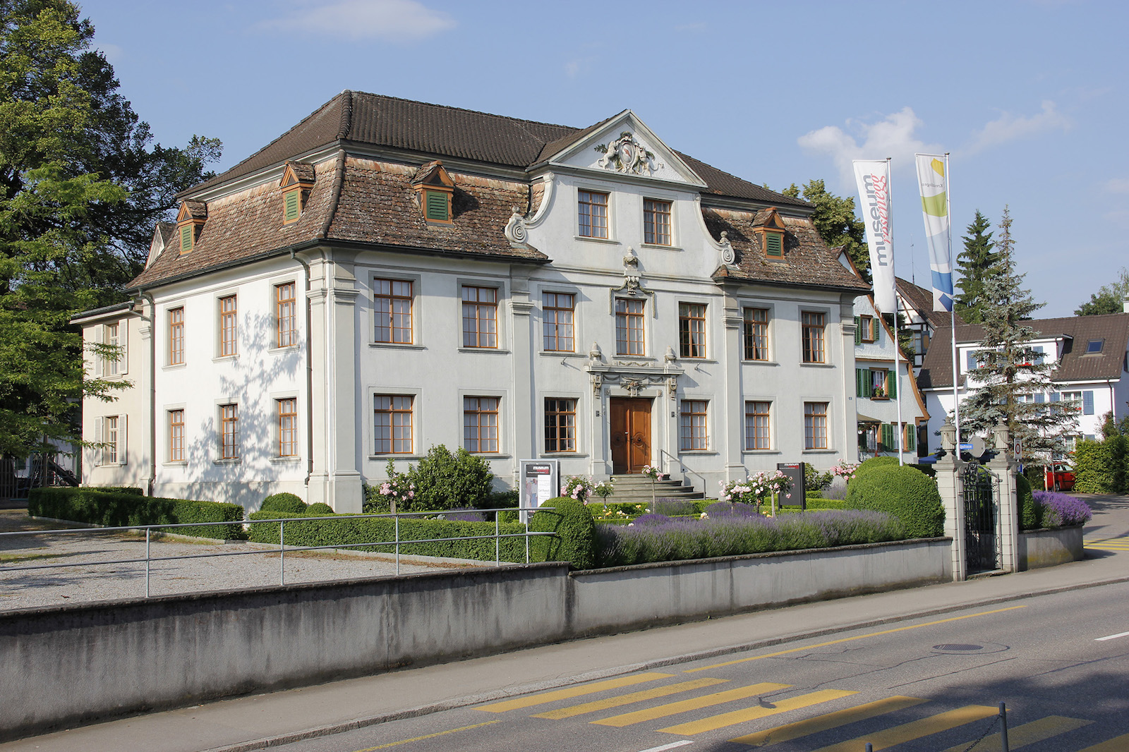 1-Museum Rosenegg-Palais.jpg