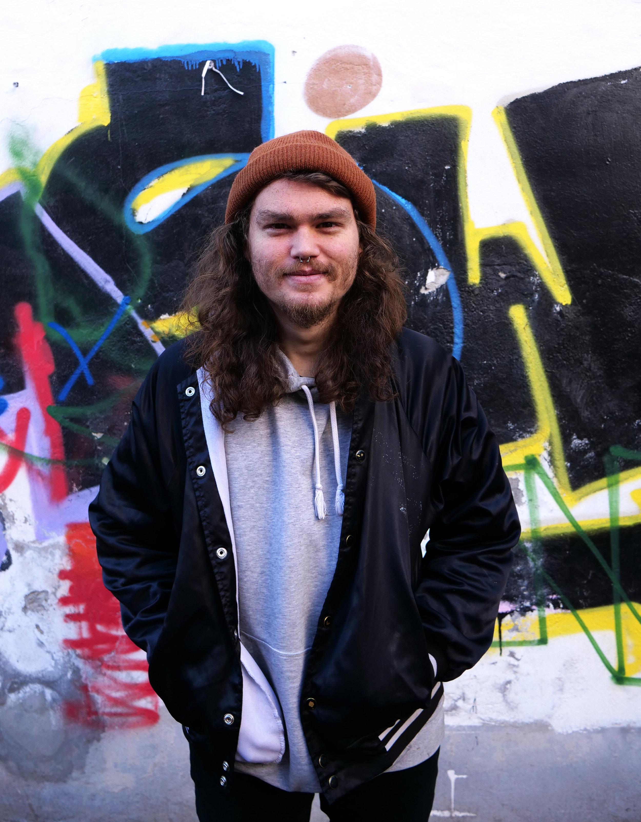 Ryan er frivillig i Trampolinhuset, hvor han arrangerer filmklub hver tirsdag. Foto: Viktoria Steinhart.