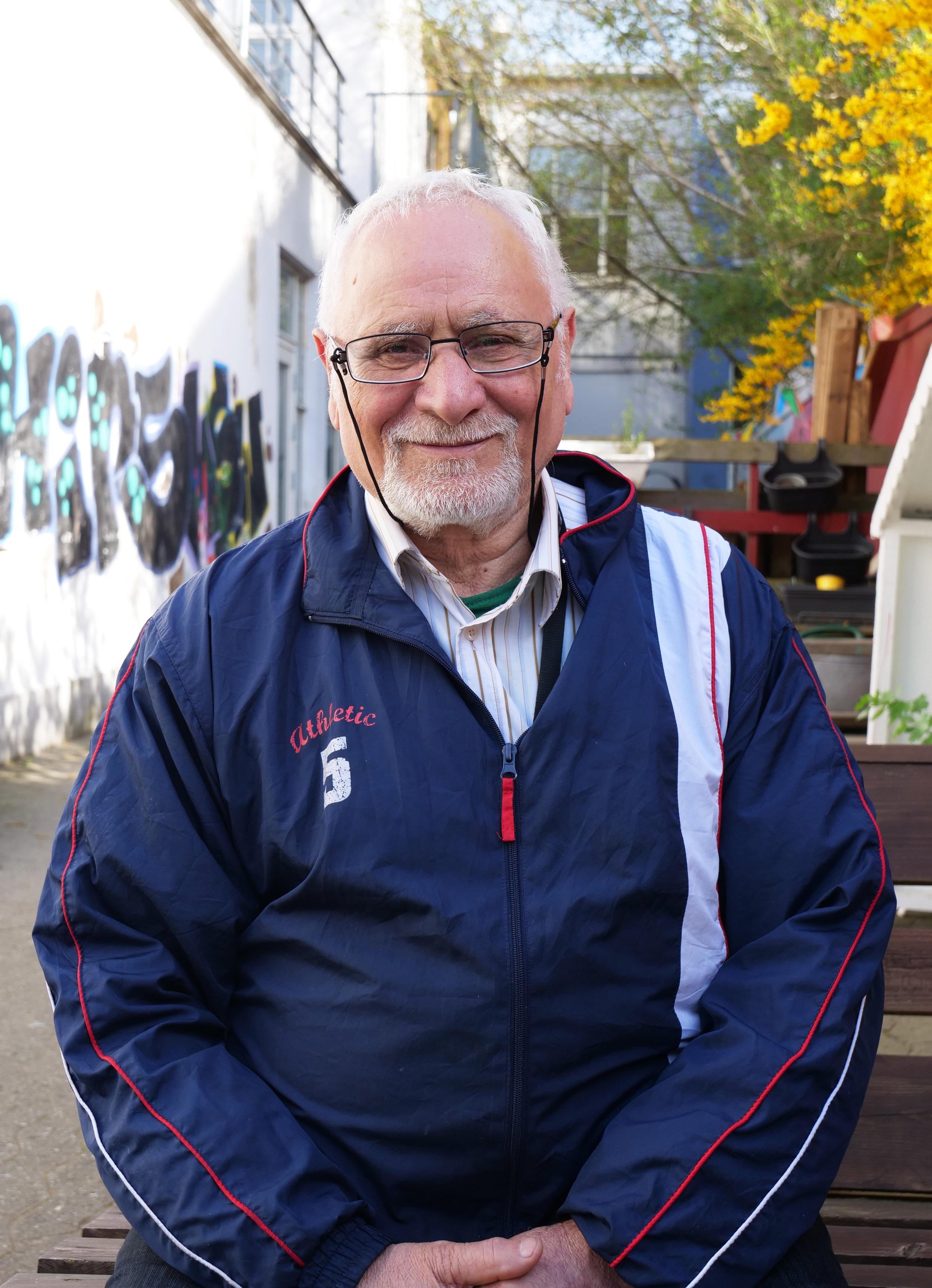 Amir, 56, er i integrationsforløb i Trampolinhuset via et samarbejde med Roskilde Kommune. Foto: Viktoria Steinhart.