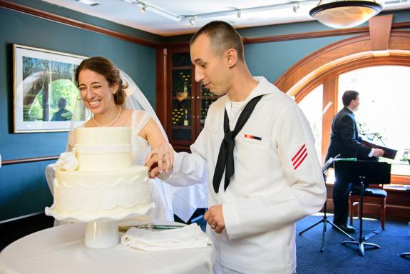 charleston-wedding-at-magnolias-restaurant-via-lauren-jonas-photography
