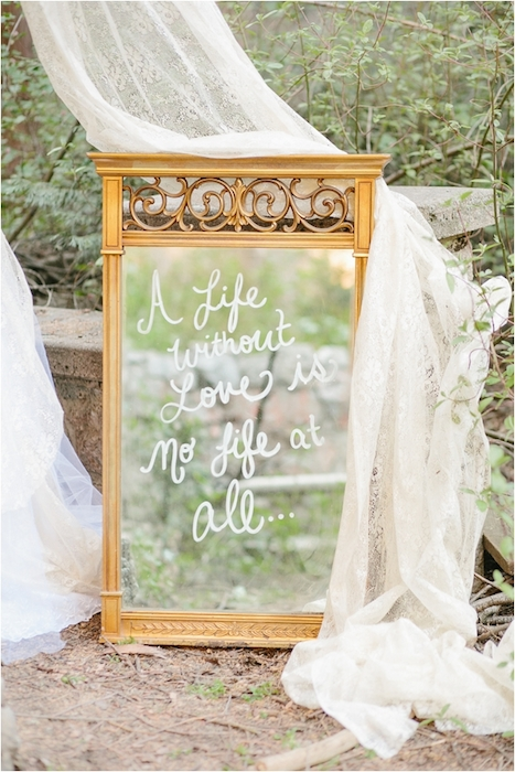 Image via Intimate Weddings
